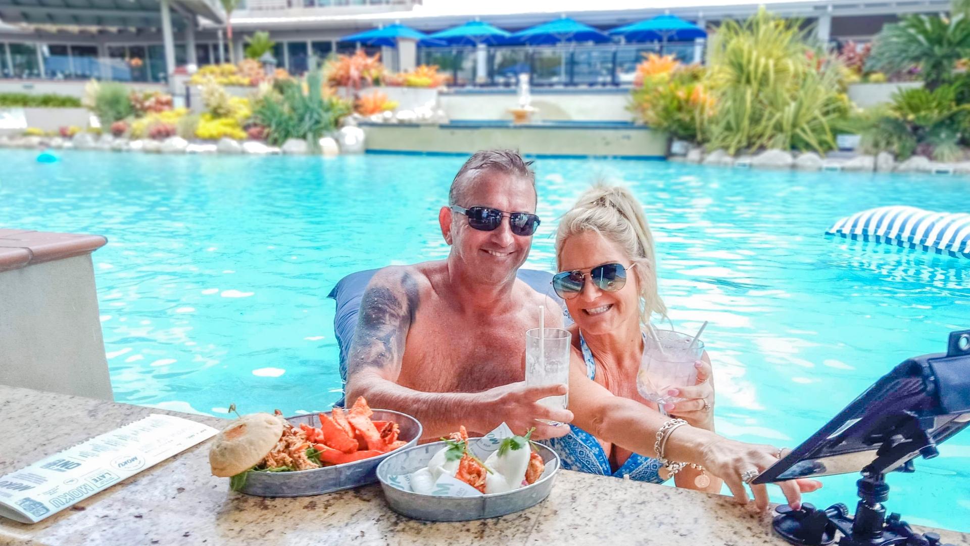 Novotel Cairns Oasis Resort - swim up songs
